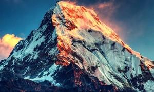 5 điều thú vị về ngọn núi cao nhất thế giới