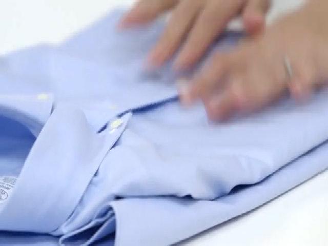 Mẹo gấp áo sơ-mi không nhàu