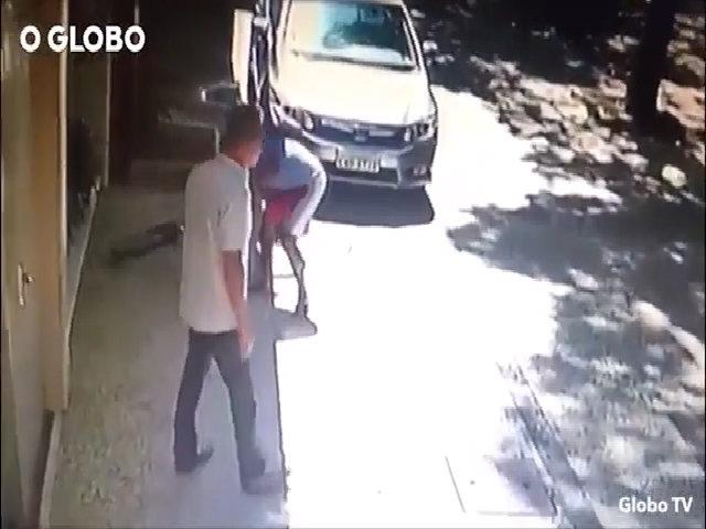 Đánh cướp thành công, du khách ra hầu tòa vì chửi cảnh sát