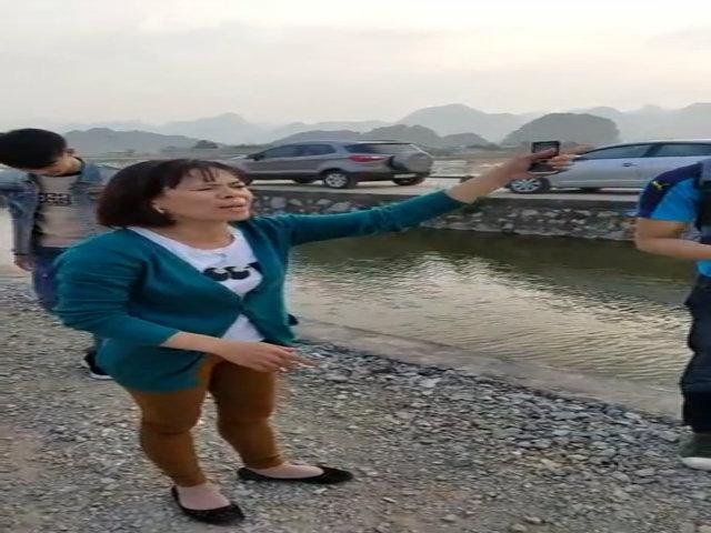 Du khách phàn nàn bị ép giá, dọa nạt ở chùa Hương