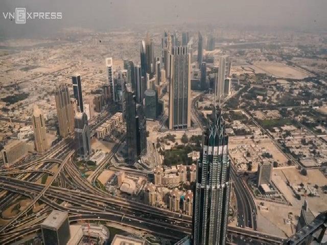 Dubai nhìn từ tháp trên cao