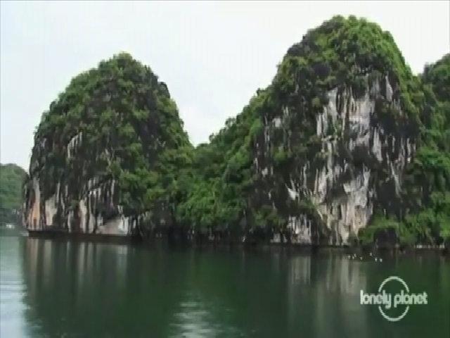 Du lịch mạo hiểm ở Hạ Long qua ống kính của Lonely Planet