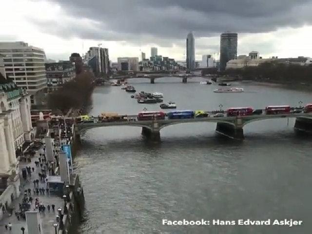 Hàng trăm khách kẹt trên đu quay 3 tiếng sau vụ khủng bố Anh