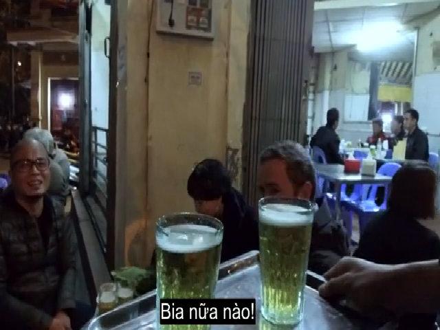 Bia hơi bình dân của Hà Nội trên sóng CNN