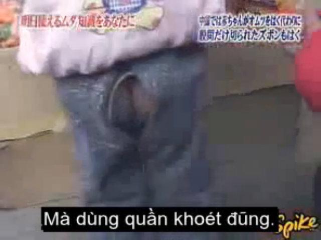 Khách Tây 'đau mắt' vì bụng đàn ông, mông trẻ em tại Trung Quốc