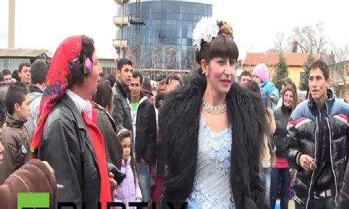 Góc khuất sau chợ bán cô dâu trinh nữ ở Bulgaria
