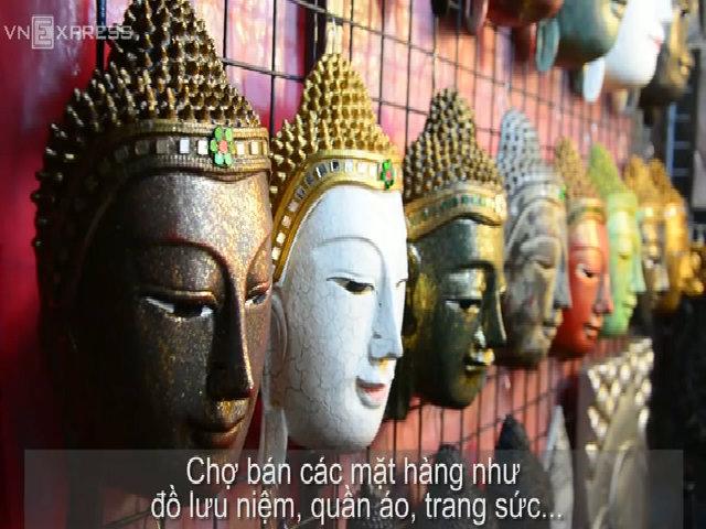 Có gì trong các chợ đêm sôi động ở Chiang Mai