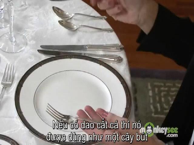 Quy tắc ngầm dùng dao, dĩa, cốc trên bàn tiệc 5 sao