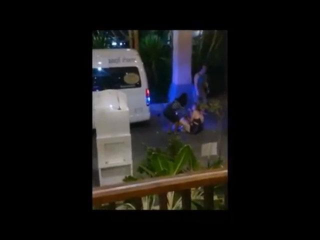 Du khách đánh nhau với tài xế tuk tuk vì 6 USD