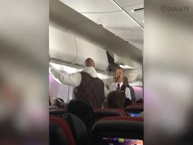 Trải nghiệm kinh hoàng của tiếp viên hàng không