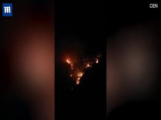 Nhóm lửa làm tín hiệu kêu cứu, du khách vô tình đốt cả rừng