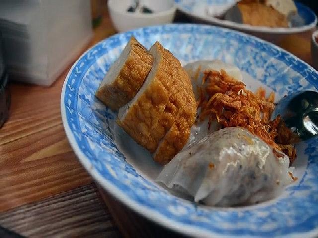 Vị bánh cuốn gốc Bắc hơn nửa thế kỷ ở Sài Gòn