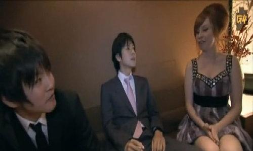 Hostess - việc nhẹ lương cao của những cô gái Tây tại Nhật Bản/Bên trong chốn tửu sắc chiều lòng đàn