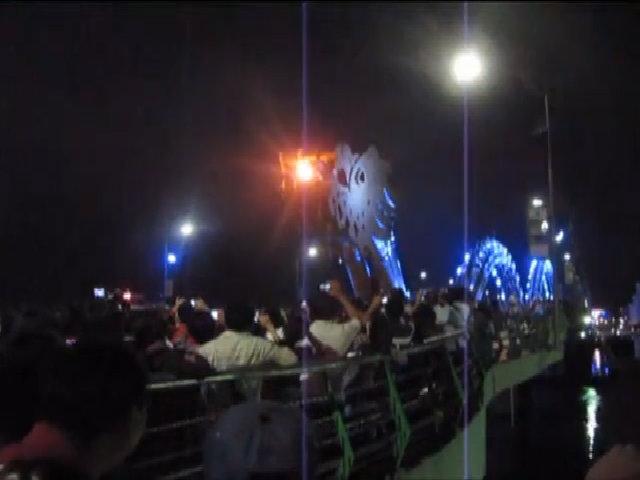 Cầu Rồng phun lửa ở Đà Nẵng