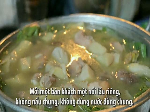 Quán lẩu bán mỗi ngày 150 kg gà ở Đà Lạt