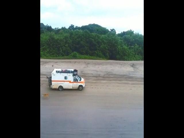 Phượt bằng xe cứu thương