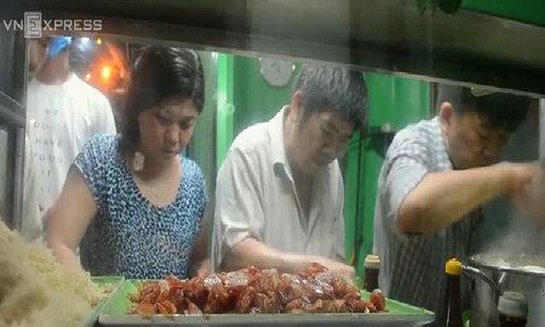 Tiệm xôi gần 20 năm gần nhà xác ở Sài Gòn