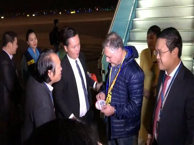 Hà Nội đón khách quốc tế đầu tiên