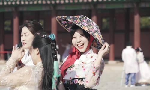 Blogger Việt chia sẻ ấn tượng Hàn Quốc/ Dàn blogger Việt ấn tượng với thịt heo đen ở đảo Jeju