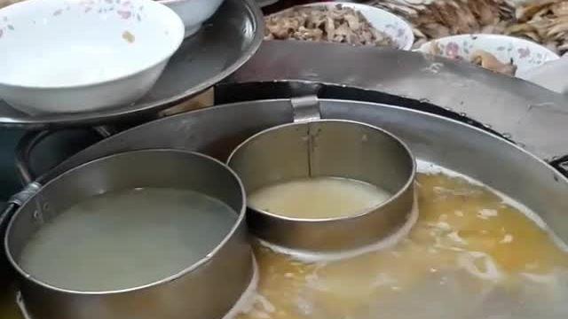 Miến gà Kỳ Đồng - từ xe đẩy bên đường đến quán ăn nườm nượp khách