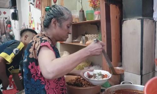 Quán bò kho của gia đình gốc Ấn ở Sài Gòn