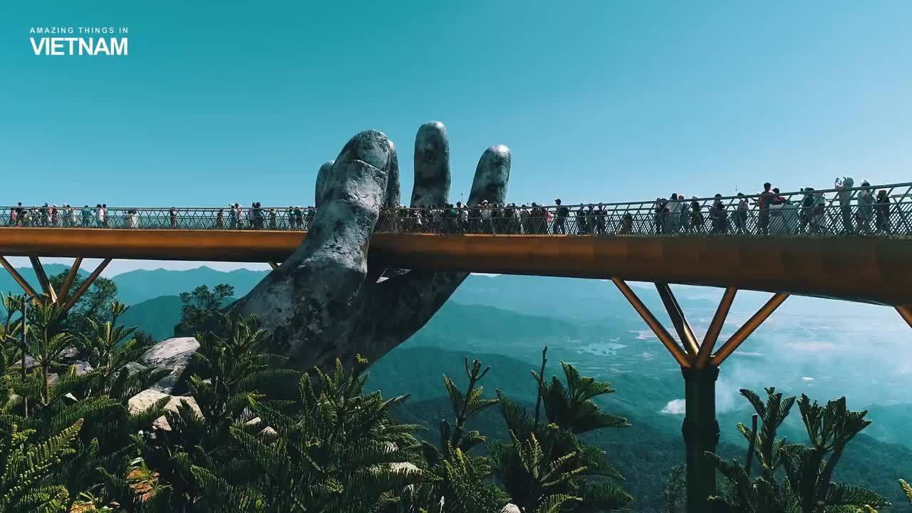 'Cha đẻ' bức ảnh Cầu Vàng đang 'làm mưa gió' trên mạng/ Du khách Malaysia nổi tiếng nhờ chụp ảnh Cầu