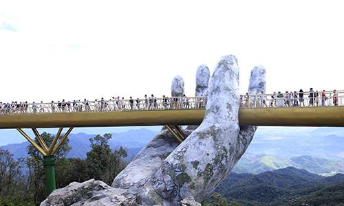 Cầu Vàng ở Đà Nẵng lọt Top '100 điểm đến tuyệt vời nhất thế giới'