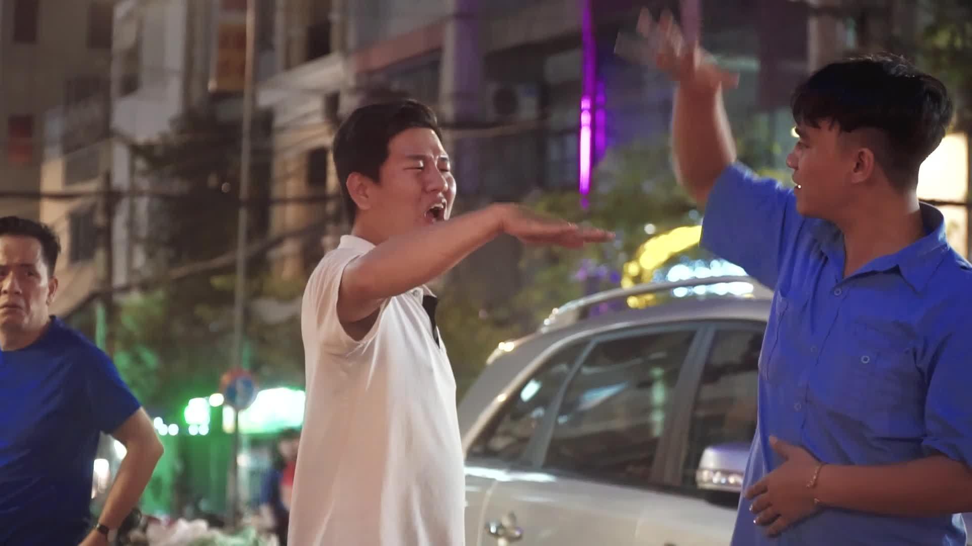 Quán sinh tố 28 năm của gia đình câm điếc ở vỉa hè Sài Gòn