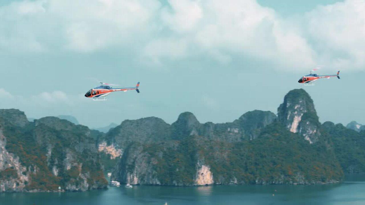 Thưởng ngoạn vẻ đẹp vịnh Hạ Long bằng trực thăng
