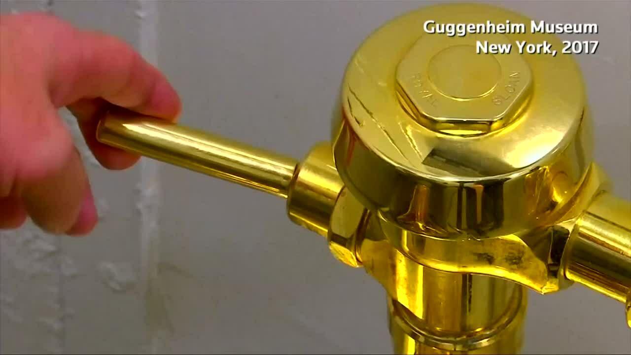 Toilet triệu đô đúc bằng vàng