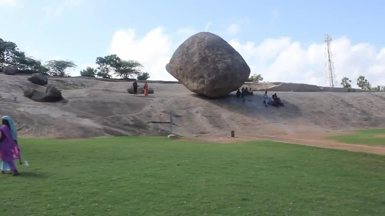Bí ẩn về tảng đá thăng bằng ở Ấn Độ