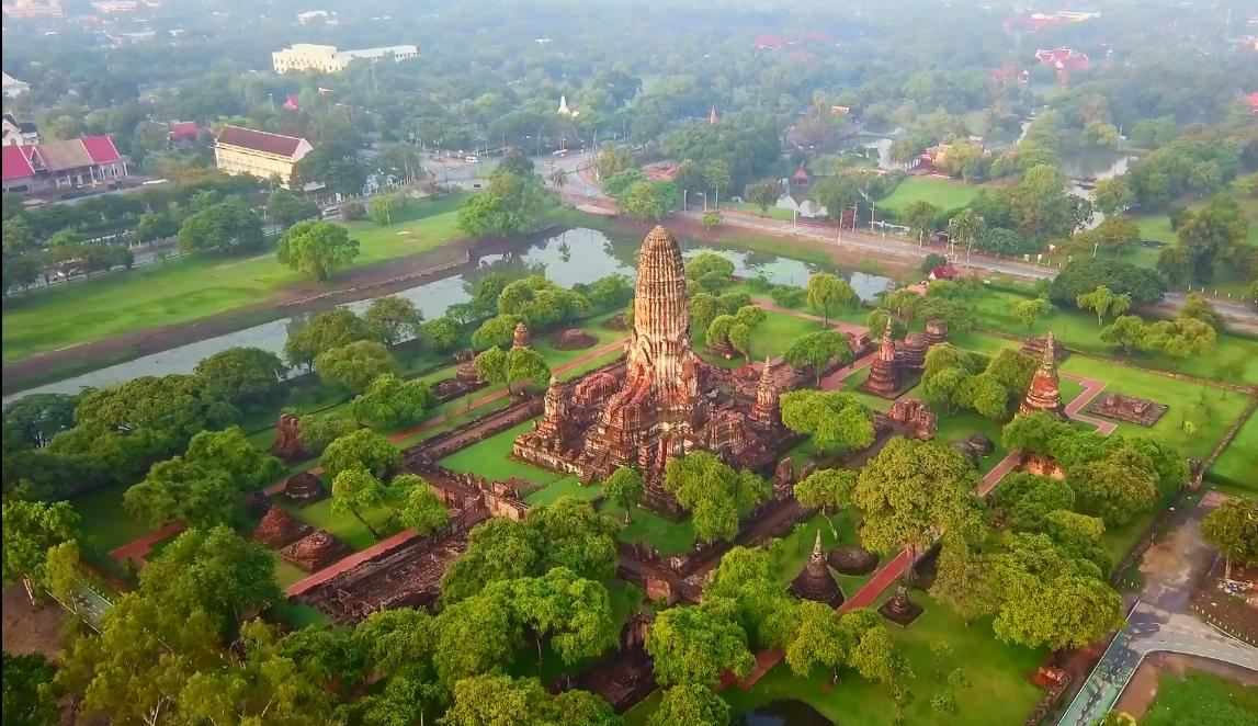 Điểm cuốn hút du khách của xứ sở Chùa Vàng Thái Lan