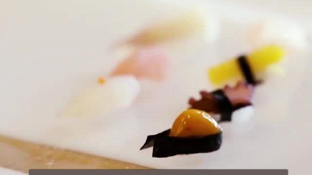 Nhà hàng làm món sushi bé như hạt cơm