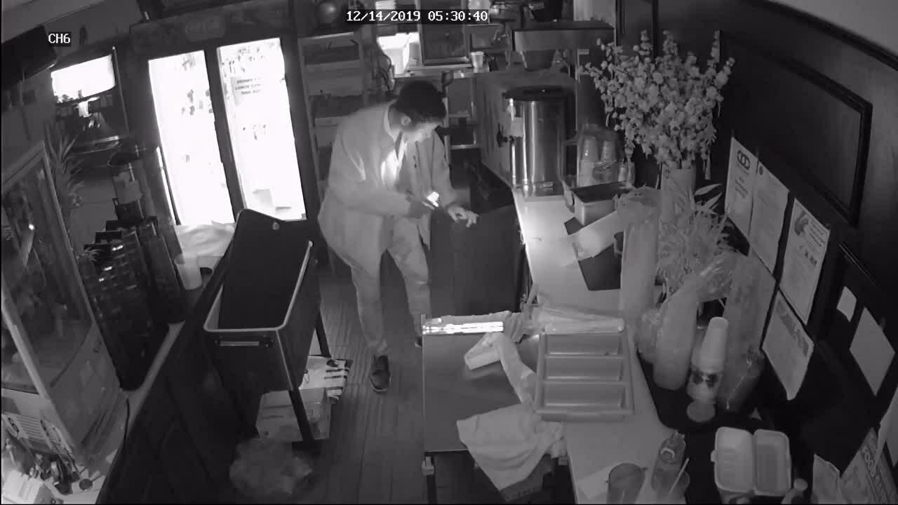 Nhà hàng Việt ở Mỹ bị trộm ghé thăm