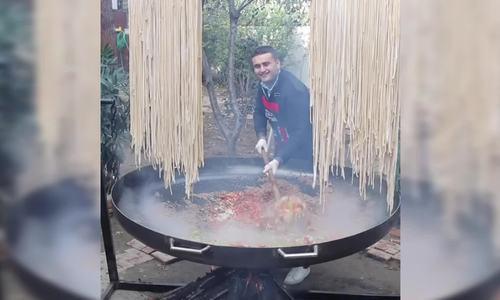 Chảo mì khổng lồ của đầu bếp Thổ Nhĩ Kỳ