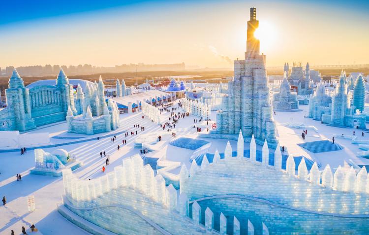 Thành phố xây hoàn toàn từ băng tuyết/Thành phố băng lớn nhất thế giới