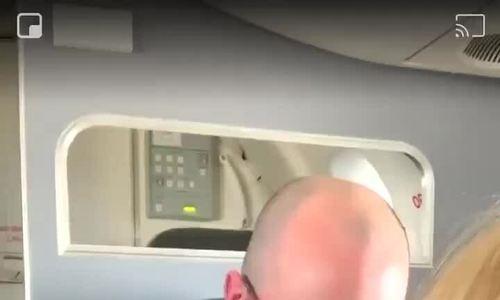 Tranh cãi về người có lỗi trên máy bay