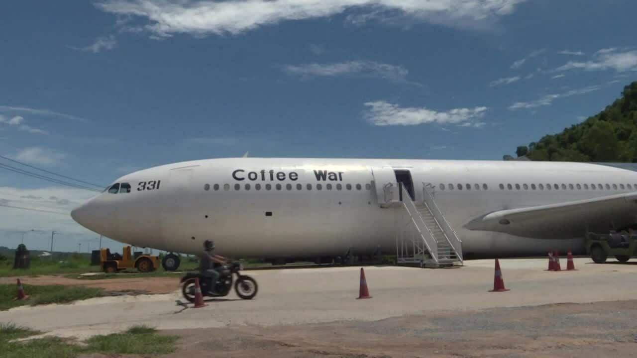 Biến máy bay thành quán cà phê