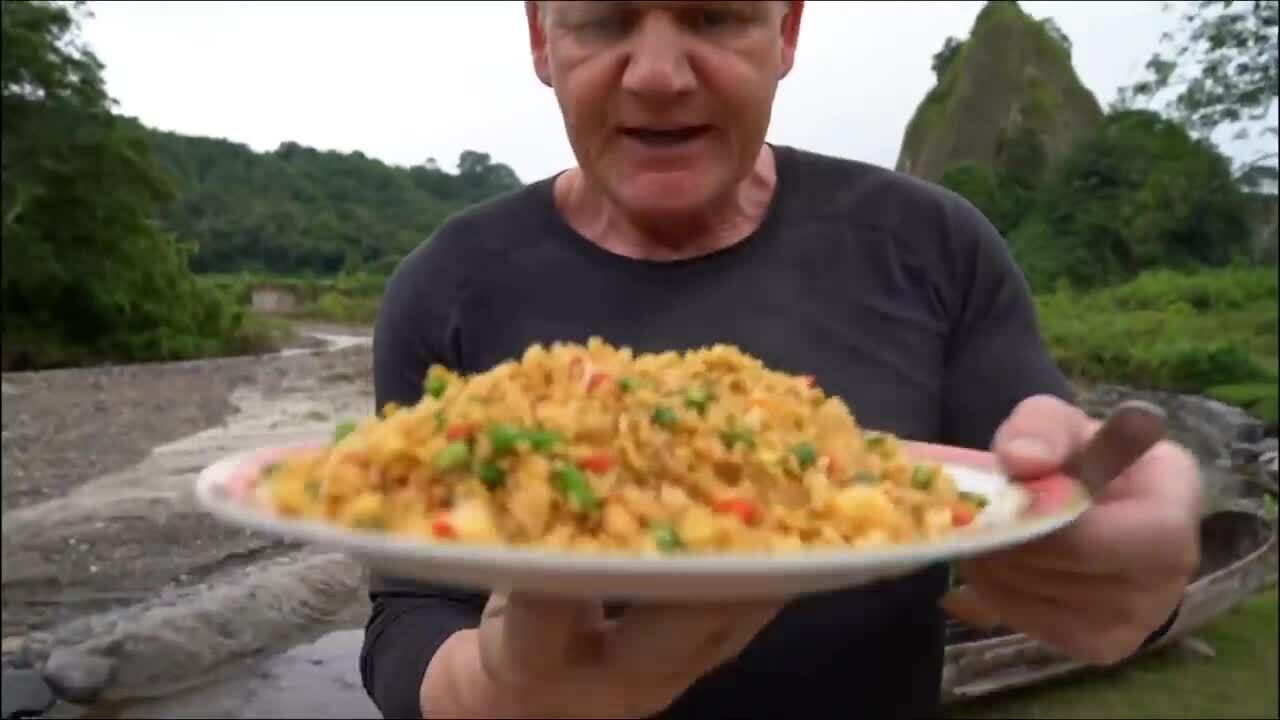Gordon Ramsay được khen rang cơm nguội 'chuẩn