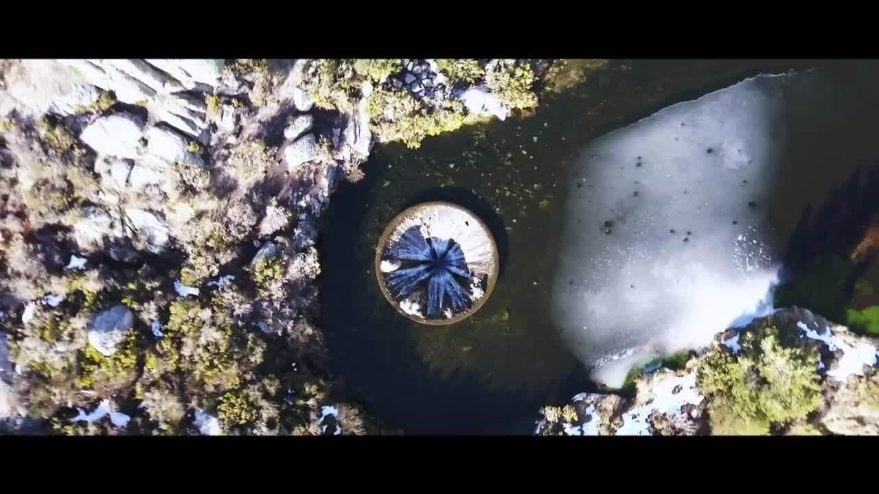 'Hố tử thần' giữa lòng hồ ở Bồ Đào Nha