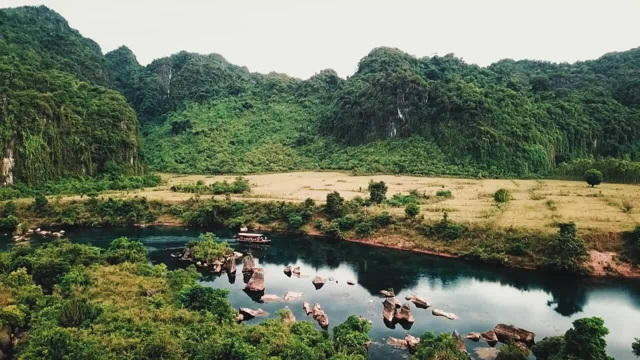 Phong Nha - Kẻ Bàng vào top vườn quốc gia được yêu thích nhất