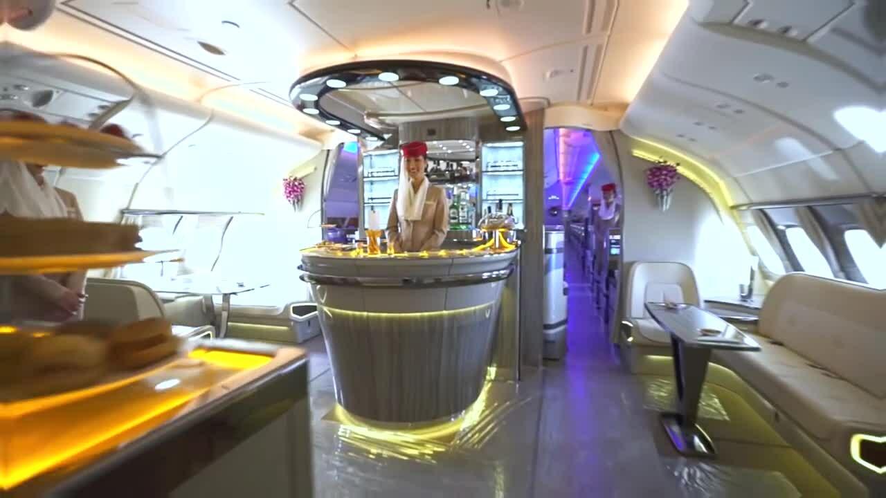 Máy bay chở khách lớn nhất thế giới trông thế nào?