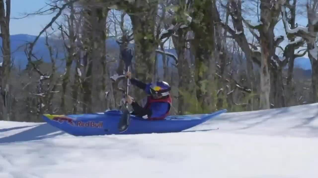 Chèo kayak trên núi tuyết với tốc độ 100 km/h