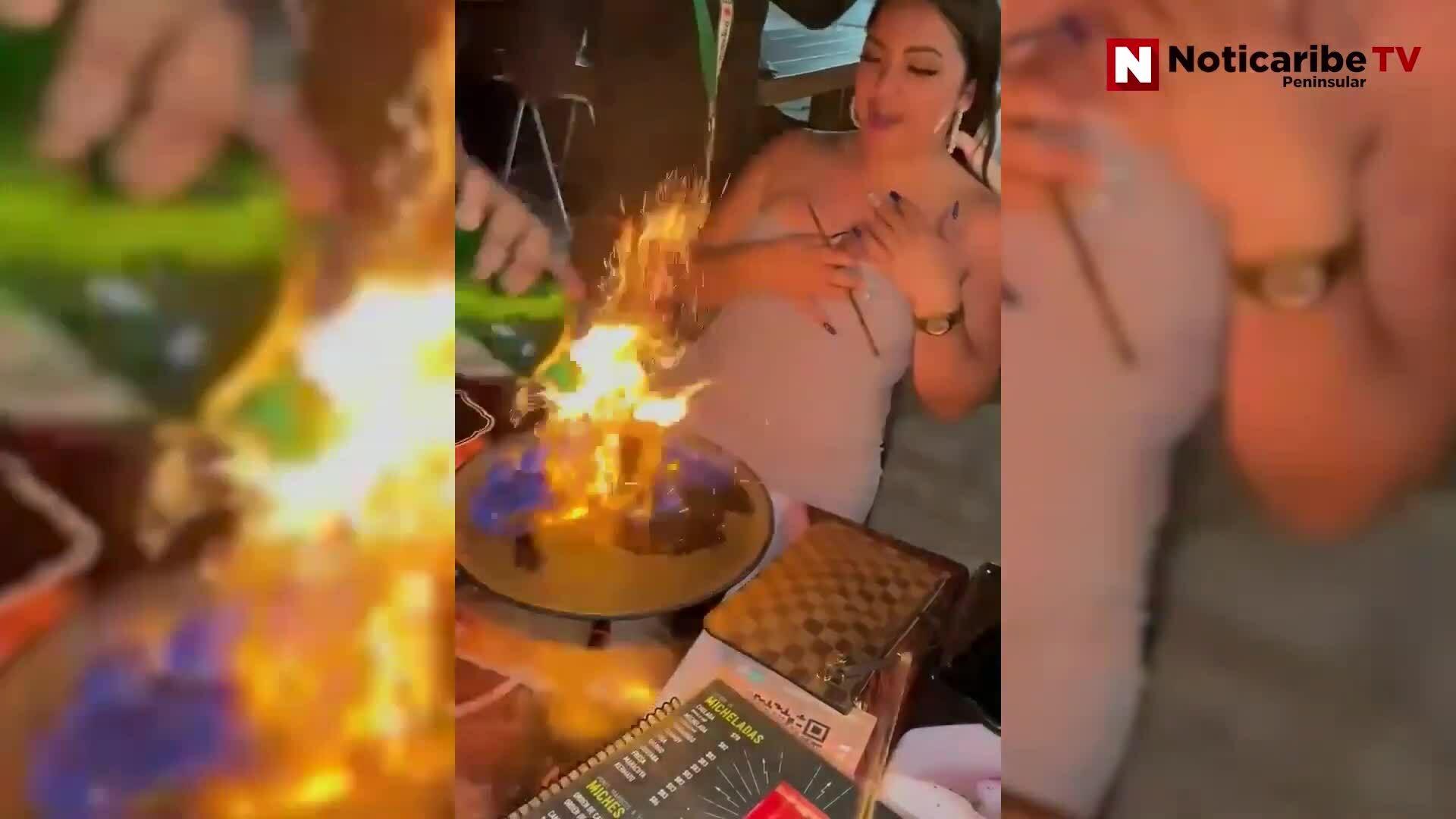 Bồi bàn vô tình đốt cháy mặt khách