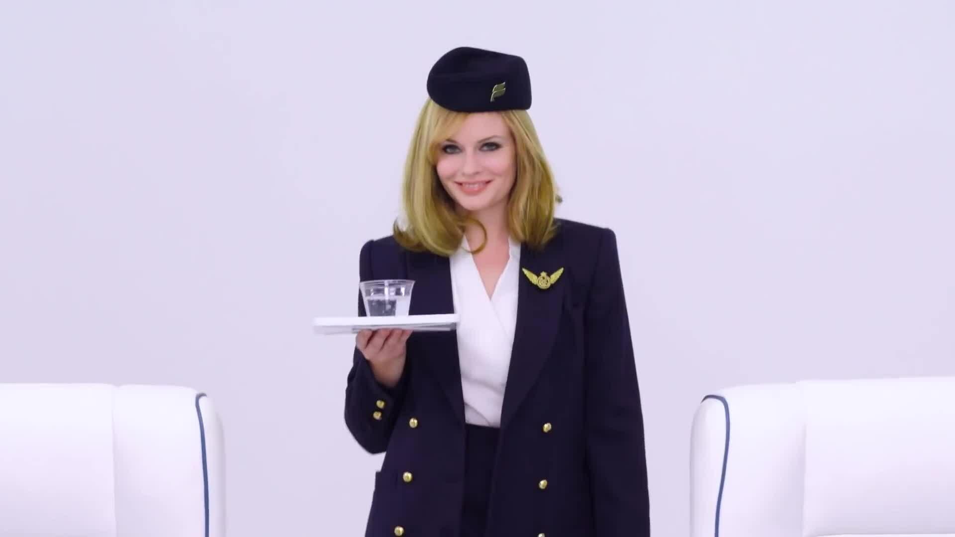 Giải mã vẻ ngoài hoàn hảo của tiếp viên hàng không