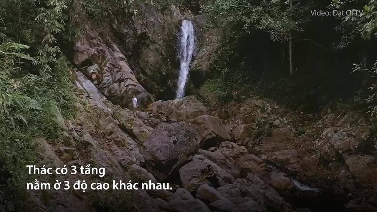 Con thác 3 tầng ở huyện miền núi Thừa Thiên Huế