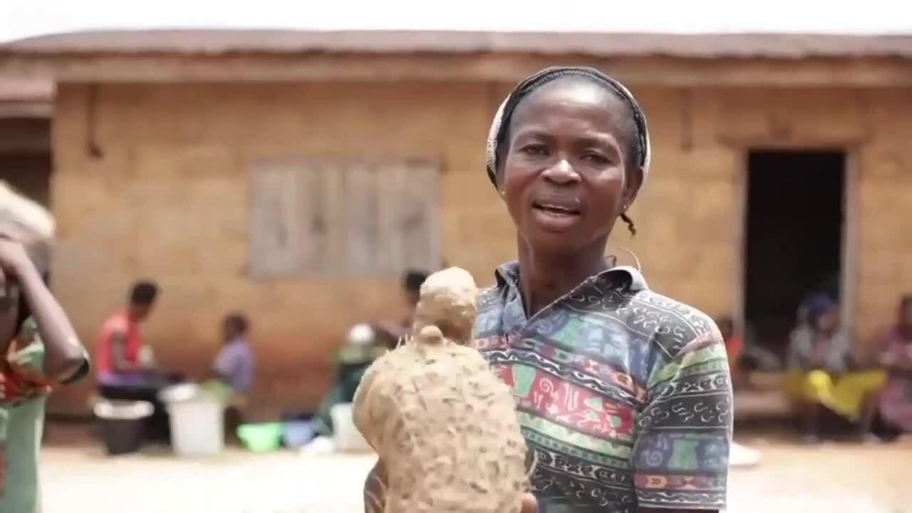 Ngôi làng đàn ông và phụ nữ nói hai ngôn ngữ khác nhau