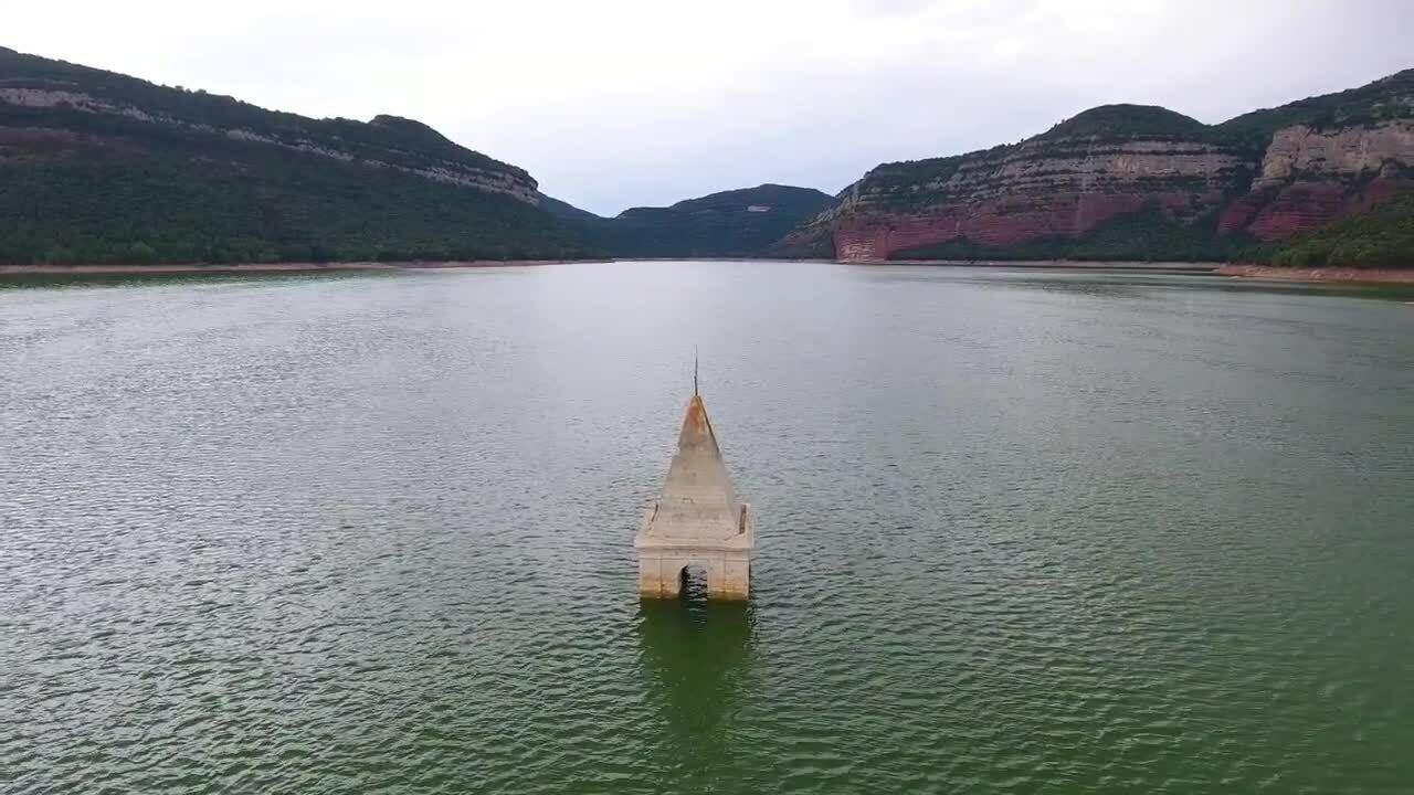 7 thị trấn dưới nước thu hút khách du lịch