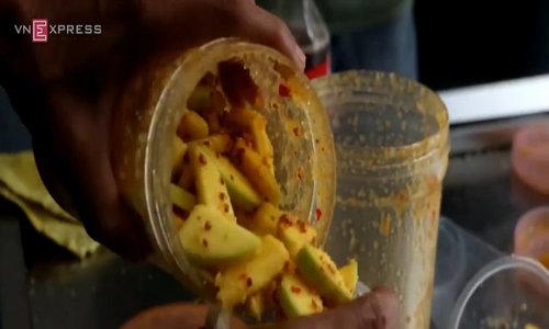 Mango shake craze in Ho Chi Minh City