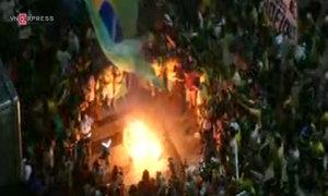 Rio celebrates President impeachment vote